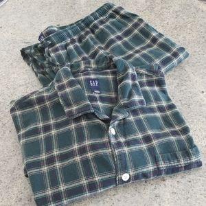 Mens GAP 22-piece plaid flannel Pajamas!